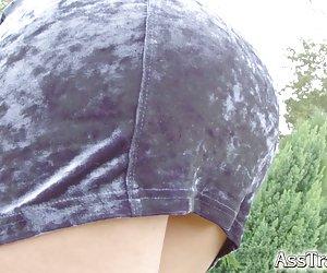 Էշի ճանապարհային երթեւեկության Ռուսական սիրում էշի եւ ingesting (ֆոտո